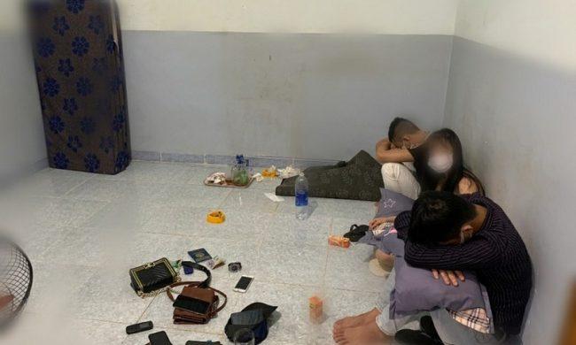 bất chấp dịch vẫn tổ chức sinh nhật bằng ma túy tại phòng